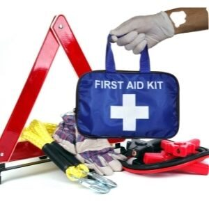 Always Keep an Emergency Kit in Your Car Lover Tips