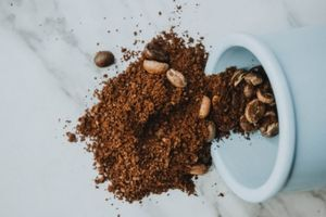 Fresh Coffee Grounds Help Make Your Car Smell Better Car Lover Tips
